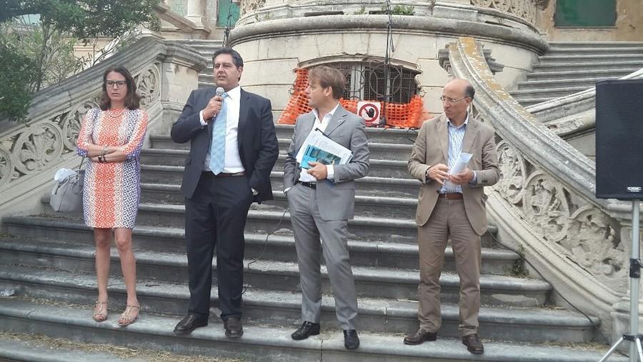 Il governatore della Regione Liguria e altri politici a Villa Zanelli