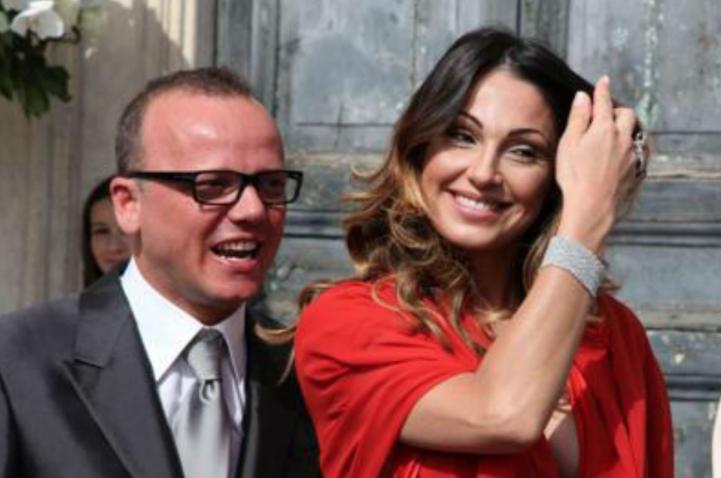 Anna Tatangelo ha tradito Gigi D'Alessio? Spunta un uomo misterioso