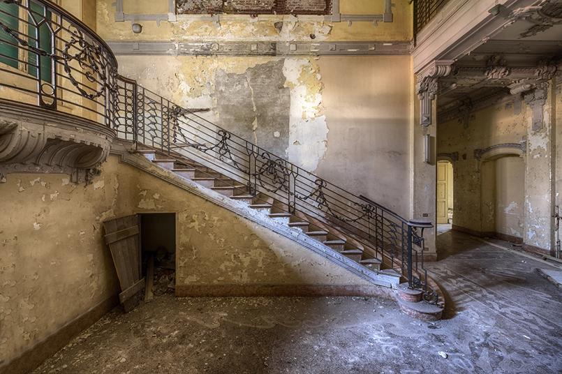 Villa Zanelli in abbandono