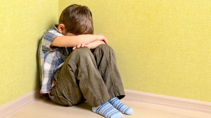 Violenza sessuale sul figlio di 5 anni: arrestato a Ovada