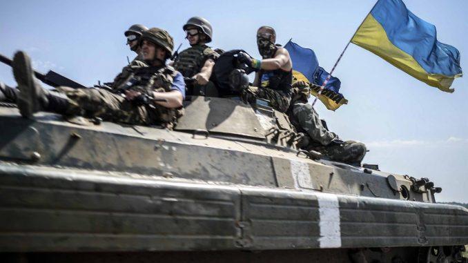 Kiev, esplosione in centro nel giorno della festa: due feriti gravi
