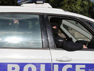 polizia nimes francia