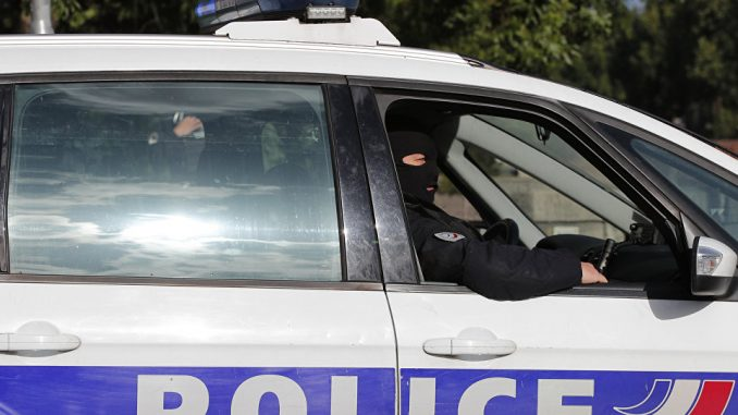 Francia, controlli in stazione Nimes