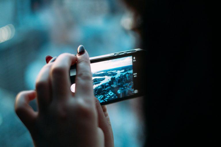 Metodi efficaci per pulire lo schermo del cellulare