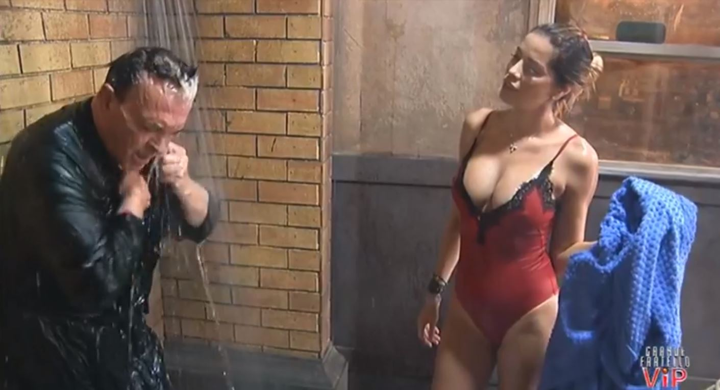 Aida yespica e cecilia rodriguez doccia grande fratello 3 - 2 part 8