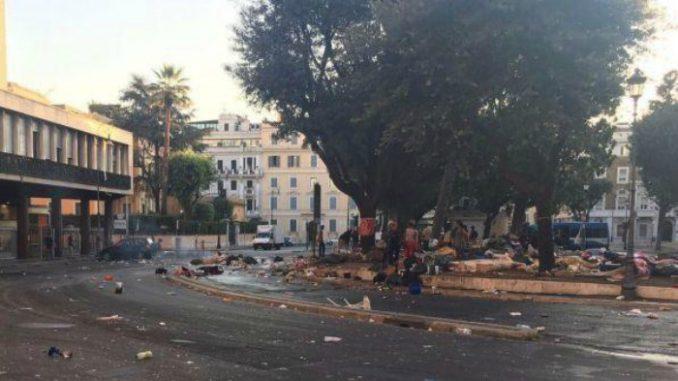 Roma, controllate 57 persone al presidio migranti sgomberati