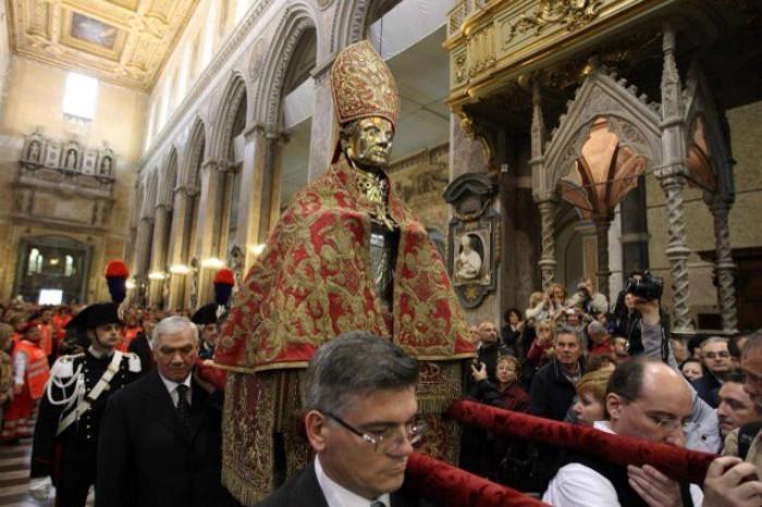 San Gennaro, il miracolo si ripete:
