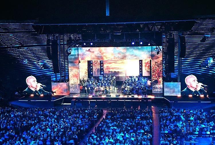 Gaffe su Rai Uno: Eros Ramazzotti confonde Luciano Pavarotti con Jovanotti