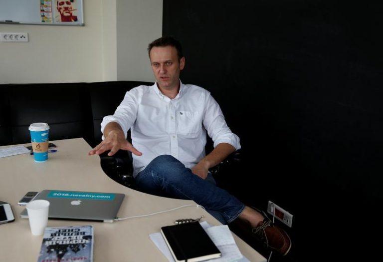 Mosca, fermato ancora Navalny. Stava partendo per un comizio