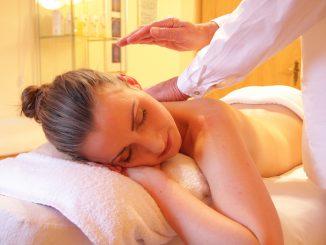 Come diventare massaggiatrice professionale: consigli utili