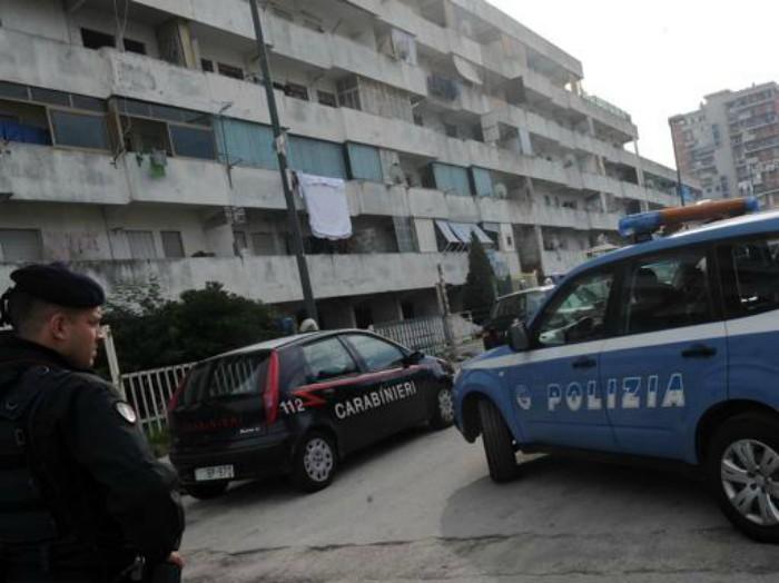 Blitz a Scampia: 10 arresti e cinque denunce. Controlli fino a notte