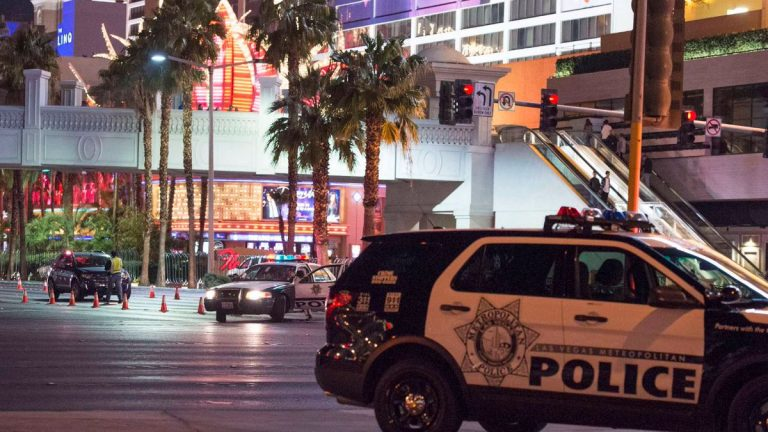 Las Vegas, oltre 20 morti nella sparatoria sulla via dei casinò