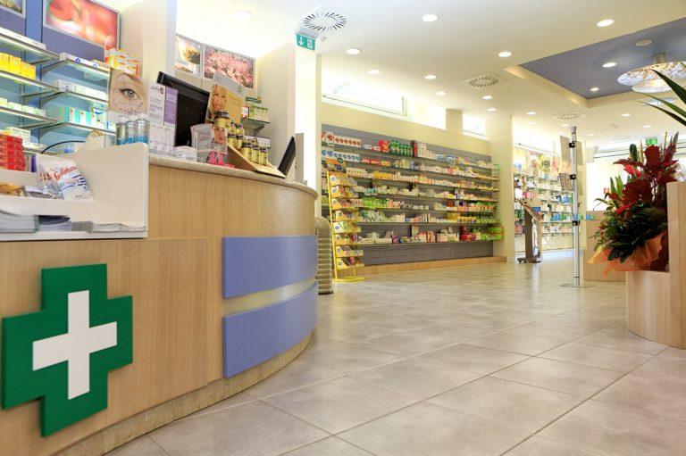 Rapina due farmacie di Palermo, identificato e arrestato l'autore