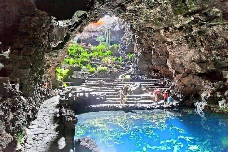 Grotta e piscina