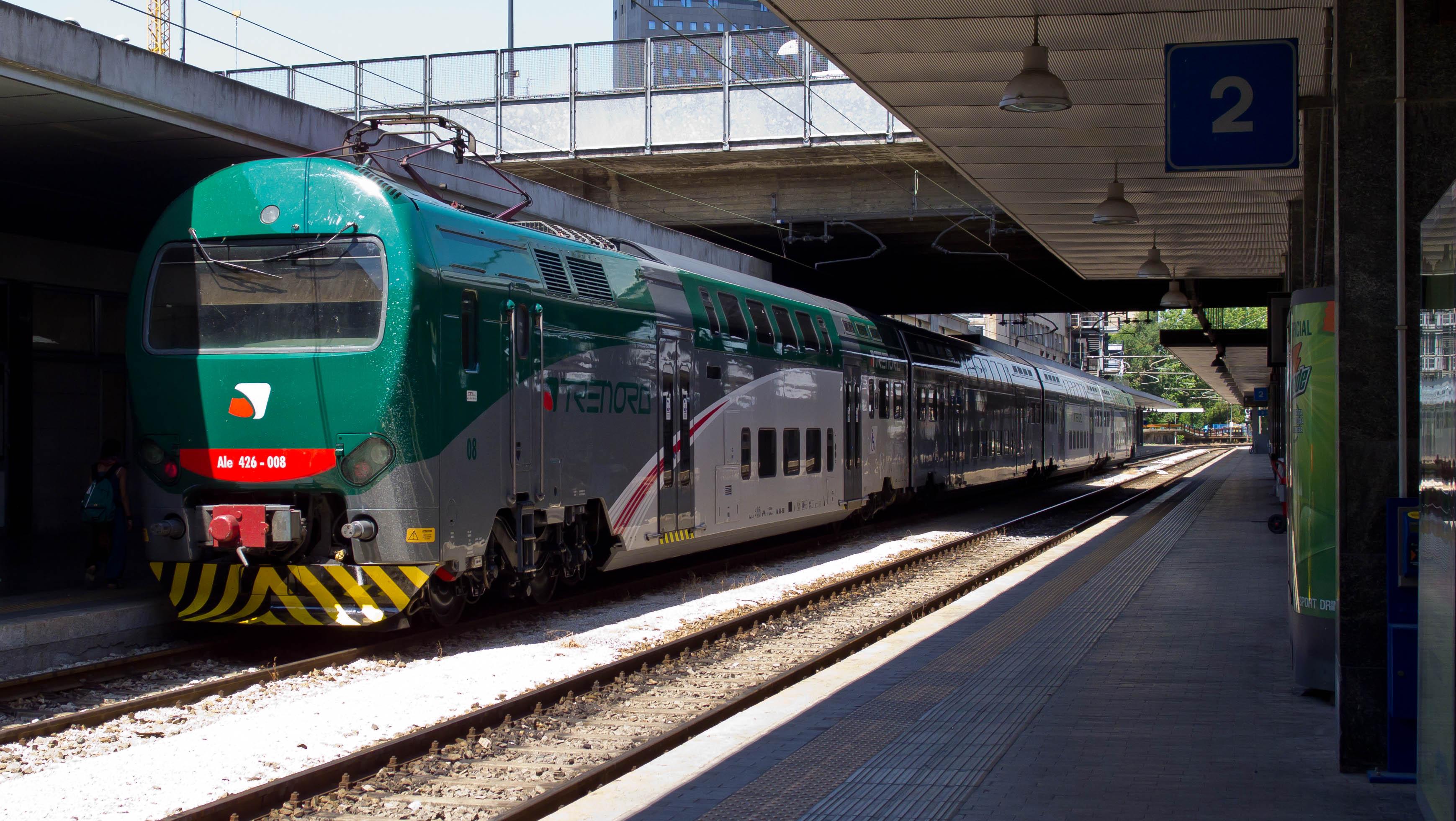 Ragazzo travolto da un treno nella stazione garibaldi - Treni vigevano milano porta genova ...