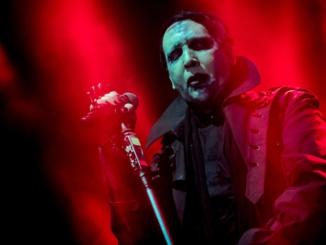Incidente al concerto di Marilyn Manson a New York: il cantante in ospedale