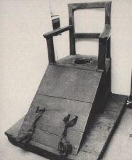 Bloccati su questa sedia
