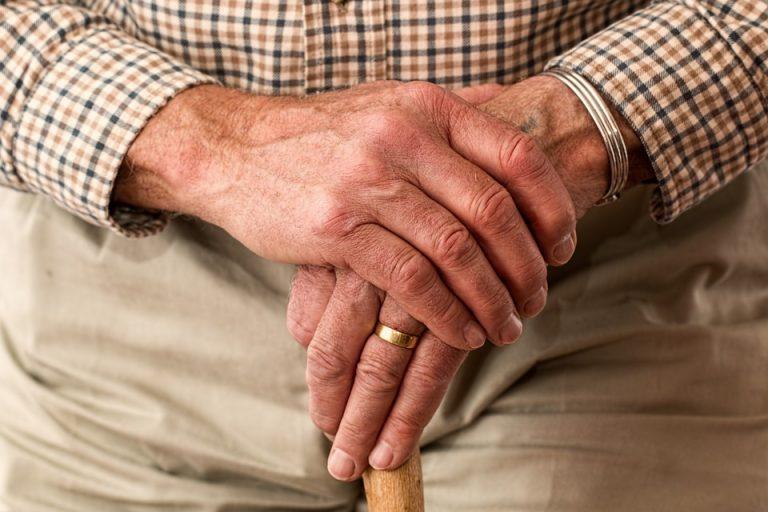 Finti nipoti truffavano anziani: 15 arresti tra Milano e Novara