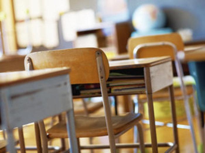 Mirandola, penna e cestino contro la prof. Denunciati tre studenti