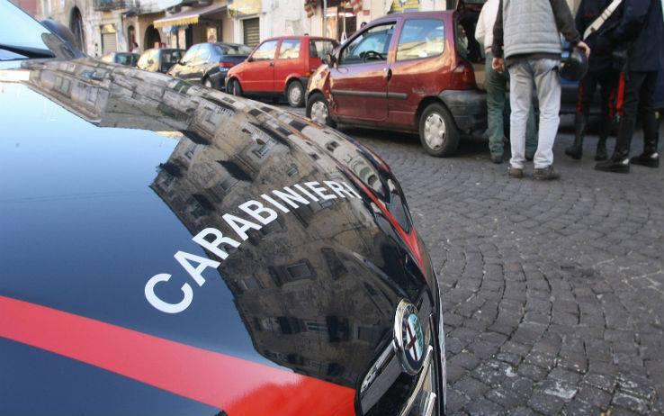Catania, cadavere di un uomo in un sacco all'interno di un tombino