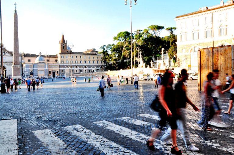 Migranti, 5 milioni i regolari: gli italiani espatriati sono almeno 285 mila