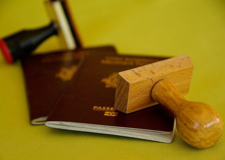 Napoli - Documenti falsi per extracomunitari, arrestato un cittadino ghanese
