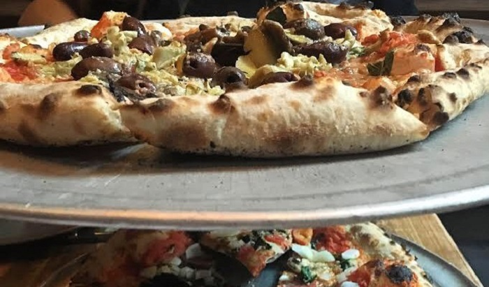 Pagati per mangiare la pizza, un ristorante cerca candidati: