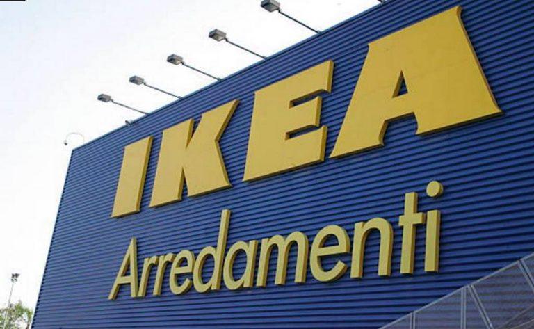 Ikea prende in giro l'Italia: