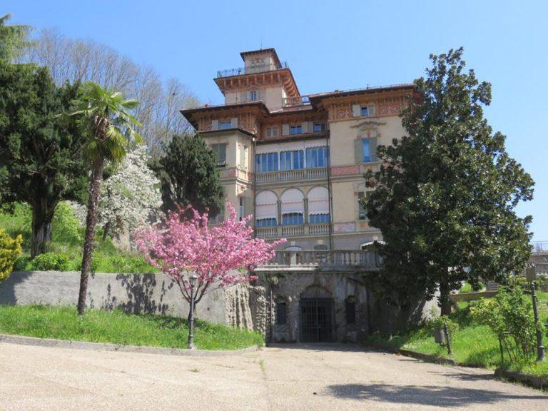 La villa in primavera