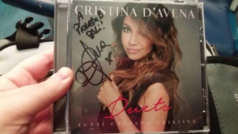 CD in mano
