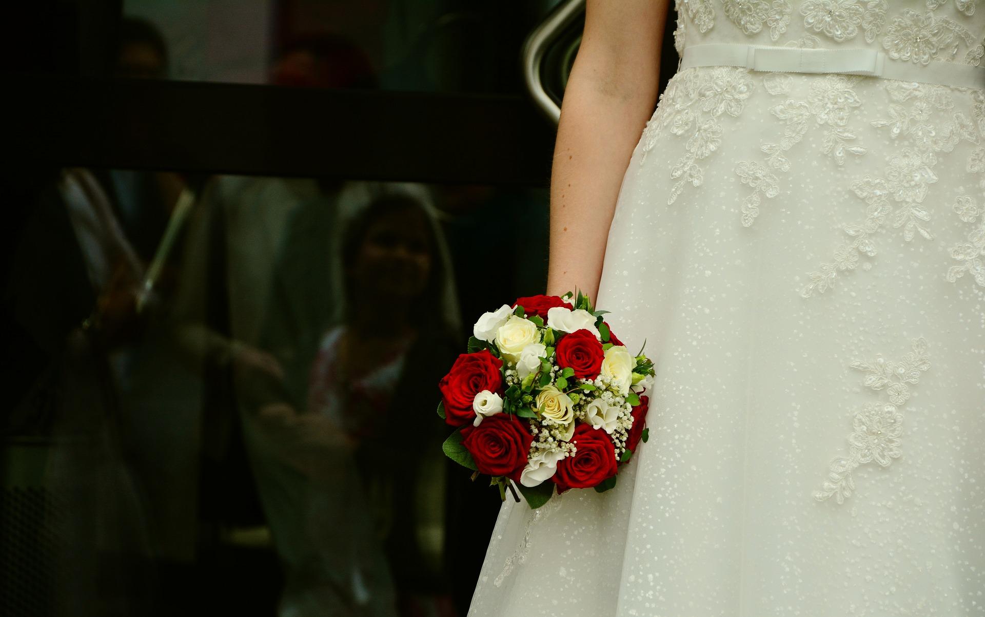 Portogallo, sposa lancia il bouquet e muore di infarto