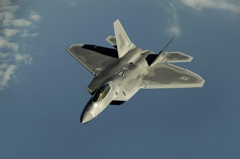 Giappone, precipita aereo militare Usa: in 11 a bordo