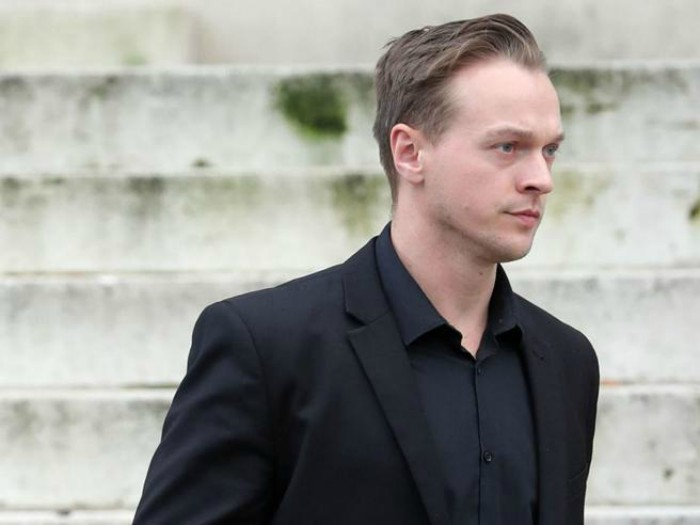 Uccide la figlia adottiva di 18 mesi, condannato all'ergastolo
