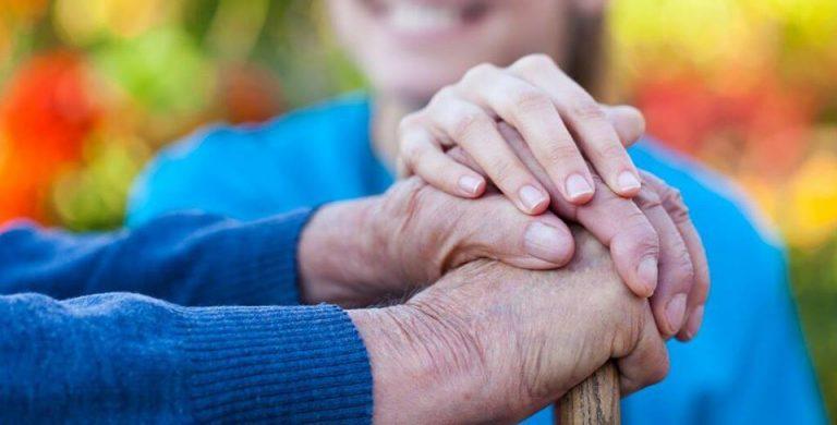 Legge 104, un fondo per sostenere il caregiver familiare