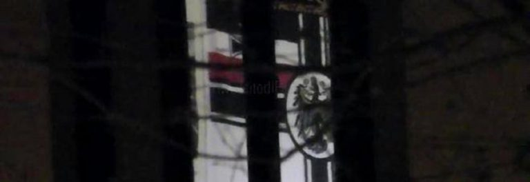 caso bandiera nazista in caserma