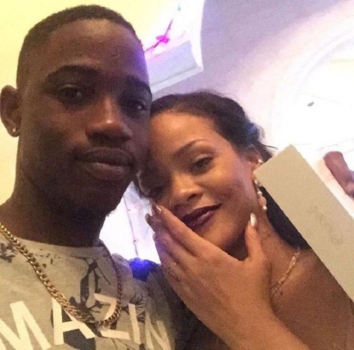Rihanna, il dolore per la perdita del cugino ucciso