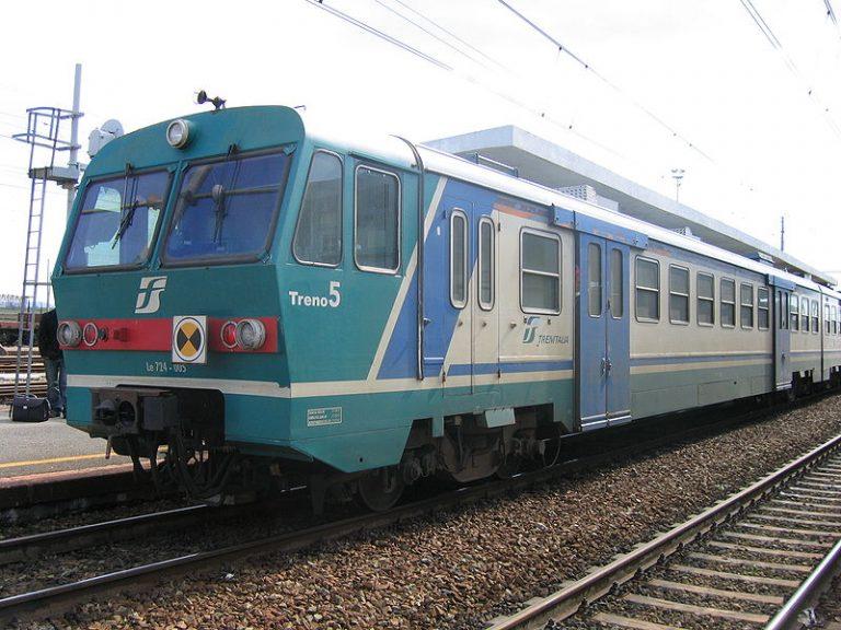 Terrore in Calabria: treno deraglia in galleria, un ferito