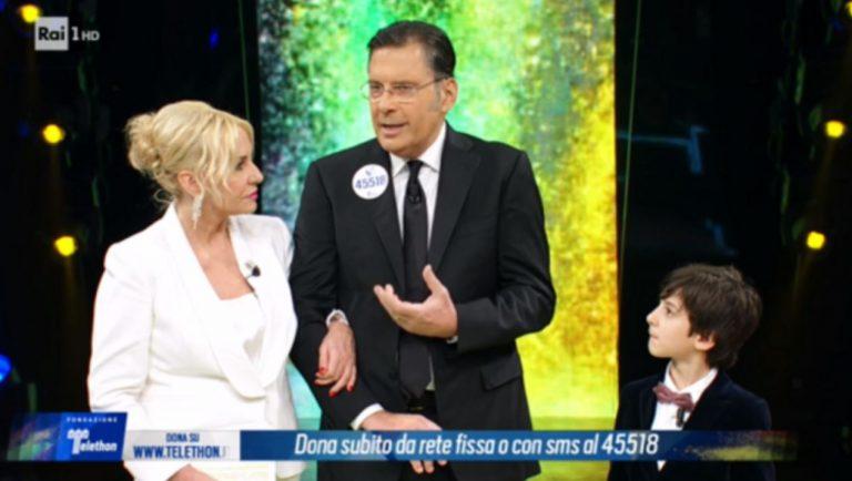 Fabrizio Frizzi rassicura i telespettatori: