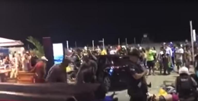Auto sulla folla a Copacabana: morta una bimba di 8 mesi