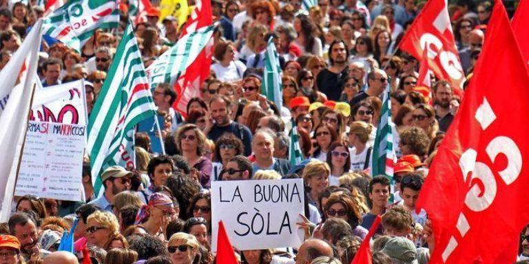 Scuola: rientro burrascoso per lo sciopero degli insegnanti Cronaca