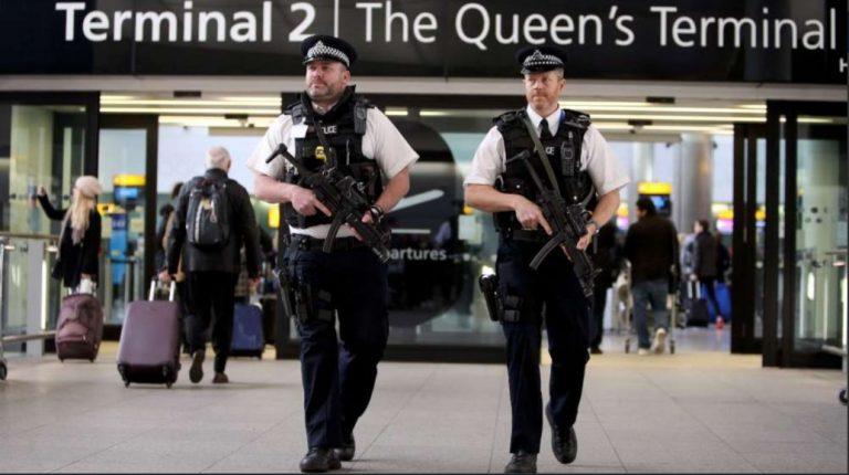 Arrestata donna all'aeroporto di Heathrow, pianificava attacchi terroristici