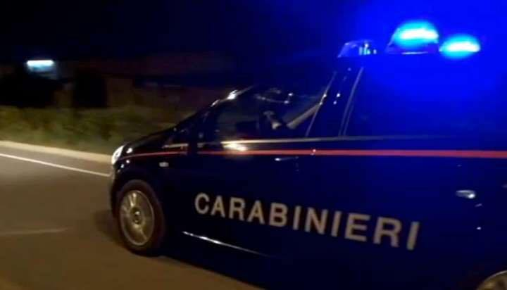 Sparatoria al bar, feriti titolare e dipendente: due arresti all'alba
