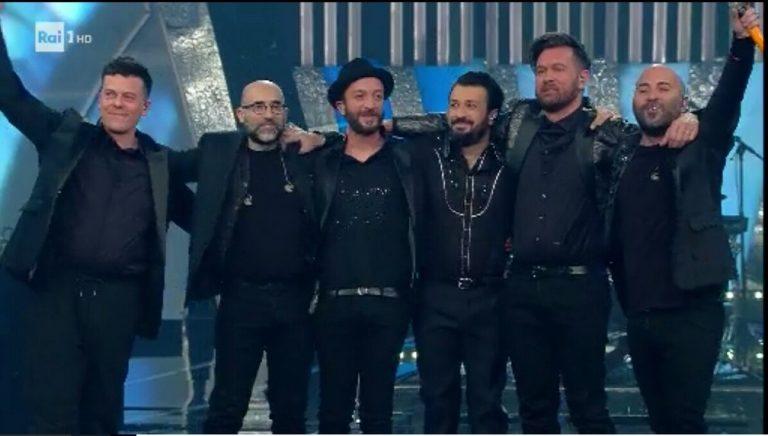 Sanremo 2018, simpatico 'botta e risposta' tra Favino e Baglioni