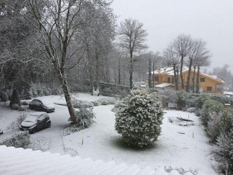 Neve a Roma, fiocchi ai Castelli tra Velletri e Rocca di Papa