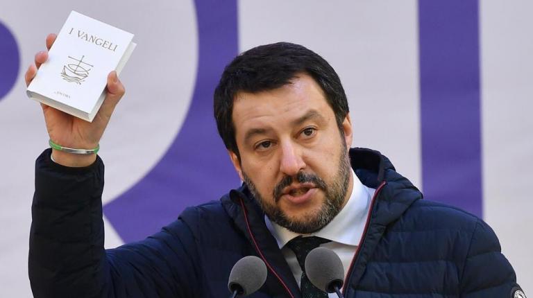 Elezioni, Salvini hackerato: leader Carroccio 'camuffato' da maiale. Online anche 70mila mail