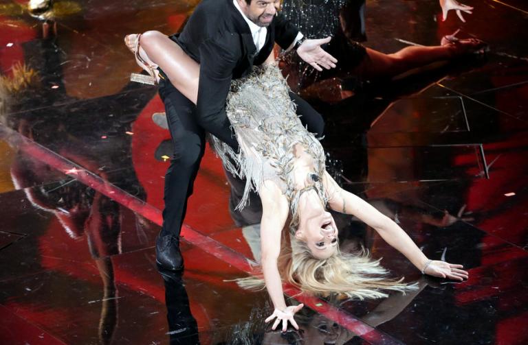 Sanremo 2018 - Cosa significa il fiore indossato da Michelle Hunziker?