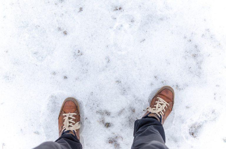scivolare sul ghiaccio