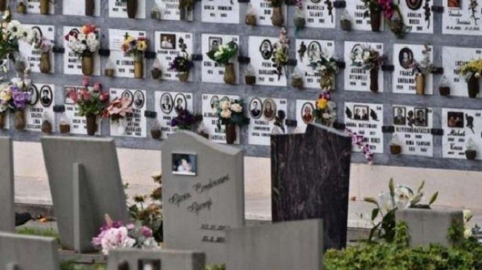 Tombe profanate nel Canavese, nuovo raid nel cimitero di Caravino