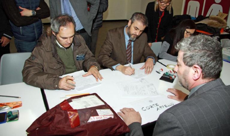 Il voto degli Italiani all'estero, arrivato per posta e scrutinato a parte