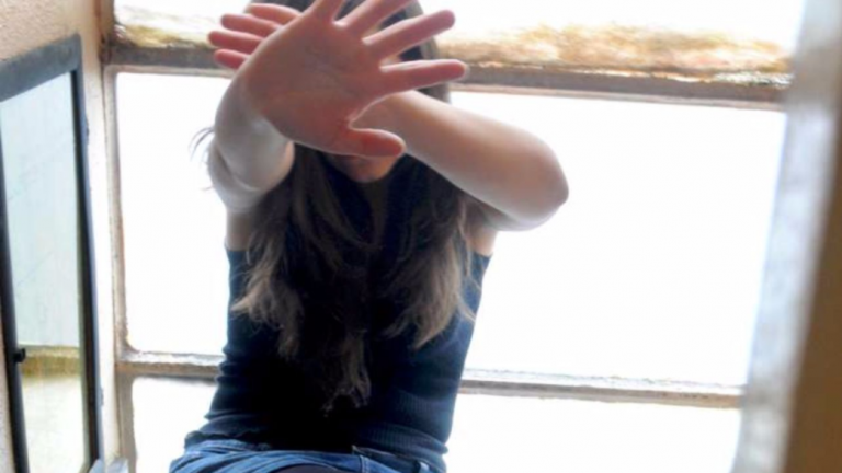 Picchia e stupra la fidanzata, arrestato un 40enne in Brianza